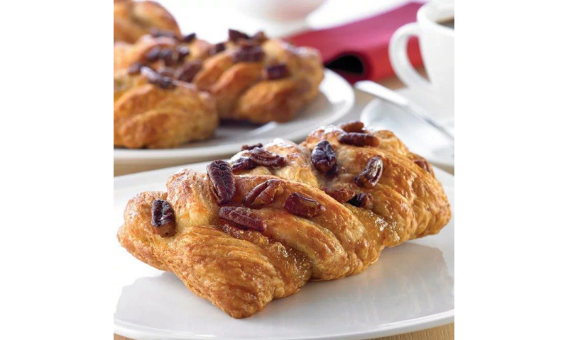 Pastry Maple And Pecan Plait 95g x48